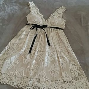 BCBG MAXAZRIA Cream Lace Dress Size S